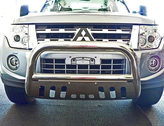 Mitsubishi-Pajero-NQ-NX-Stainless-steel-nudge-bar-with-stone-guard
