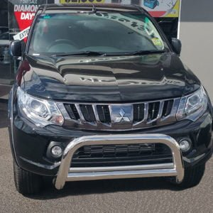 Mitsubishi-Triton-MQ-2016---2018-Stainless-steel-nudge-bar